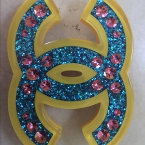 Chanel pin/brooch